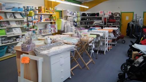 magasin b b 9 pontarlier pu riculture meubles et. Black Bedroom Furniture Sets. Home Design Ideas